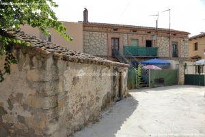 Foto Viviendas tradicionales en Alameda del Valle 1