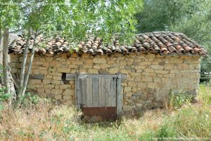 Foto Viviendas tradicionales en Alameda del Valle 10