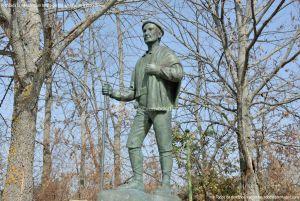 Foto Estatua homenaje al Hombre del Campo 4