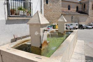 Foto Fuente Plaza Mayor en Ambite 6