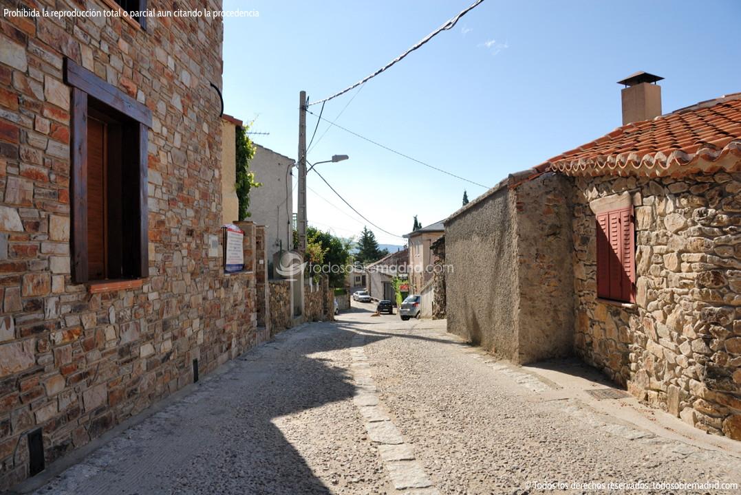Viviendas tradicionales en braojos 1 for Arquitectura que ver en madrid
