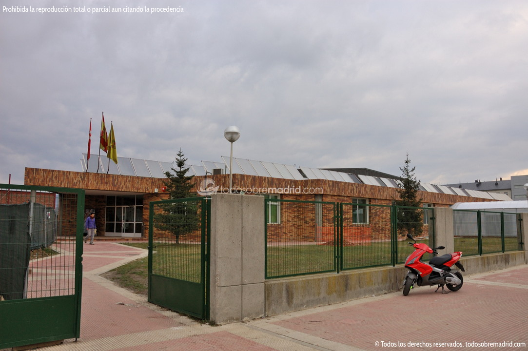 Piscina municipal de collado villalba 1 for Piscina villalba