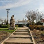Foto Escultura homenaje en Colmenar del Arroyo 1