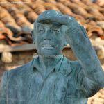 Foto Escultura de Bronce Oteando el Valle 5