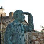 Foto Escultura de Bronce Oteando el Valle 8