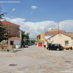 Foto Plaza de la Iglesia de Pinilla de Buitrago 6