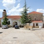 Foto Plaza de la Iglesia de Pinilla de Buitrago 7