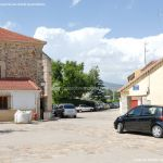 Foto Plaza de la Iglesia de Pinilla de Buitrago 8
