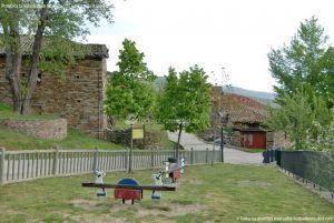 Foto Parque infantil en La Hiruela 3