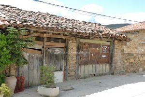 Foto Viviendas tradicionales en Horcajuelo de la Sierra 8