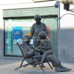Foto Escultura homenaje a los Mayores 2