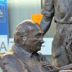 Foto Escultura homenaje a los Mayores 3