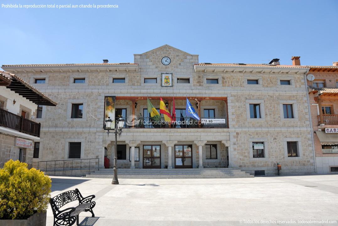 Foto ayuntamiento manzanares el real 1 - Polideportivo manzanares el real ...