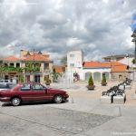 Foto Plaza de la Constitución de Moralzarzal 7