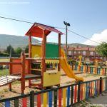 Foto Parque infantil en Navalafuente 3