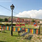 Foto Parque infantil en Navalafuente 6