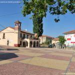 Foto Plaza del Gobernador de Pinilla del Valle 5