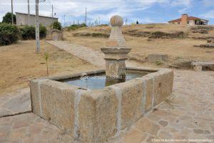 Foto Fuente Vieja de Paredes de Buitrago 6