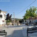 Foto Plaza de la Villa de Redueña 8