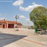 Foto Plaza de la Iglesia de Ribatejada 2