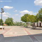 Foto Plaza de la Iglesia de Ribatejada 3