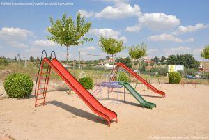 Foto Parque Infantil en Ribatejada 2