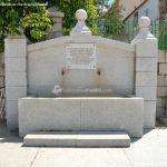 Foto Fuente de la Plaza de Robledillo de la Jara 1