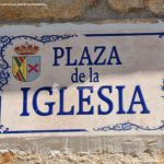 Foto Plaza de la Iglesia de La Serna del Monte 1