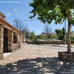Foto Plaza de la Iglesia de La Serna del Monte 5