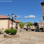 Foto Plaza de la Iglesia de La Serna del Monte 8