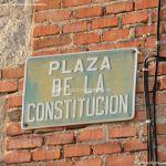 Foto Plaza de la Constitución de Villanueva de Perales 1