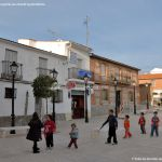 Foto Plaza de la Constitución de Villanueva de Perales 5