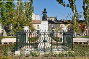 Foto Escultura Isabel II en Aranjuez 5