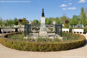 Foto Escultura Isabel II en Aranjuez 7