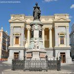 Foto Escultura a María Cristina de Borbón 9