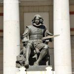 Foto Escultura a Velázquez en Museo del Prado 2