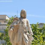 Foto Escultura a Su Majestad el Rey Don Fernando VI 3