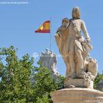 Foto Escultura a Su Majestad el Rey Don Fernando VI 8