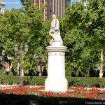 Foto Escultura a Su Majestad el Rey Don Fernando VI 12