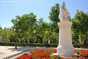 Foto Escultura a Su Majestad la Reina Doña Bárbara de Braganza 14