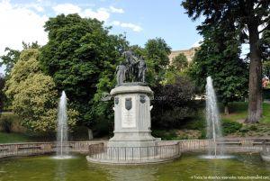Foto Escultura a Isabel la Católica de Madrid 7