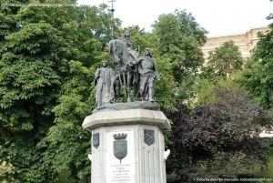 Foto Escultura a Isabel la Católica de Madrid 8