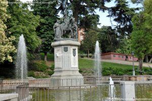 Foto Escultura a Isabel la Católica de Madrid 16