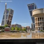 Foto Puerta de Europa (Torres Kio) 38