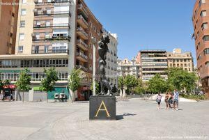 Foto Escultura en la Plaza de Dalí 2