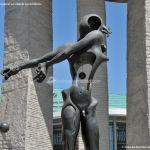 Foto Escultura en la Plaza de Dalí 7