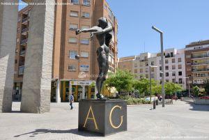 Foto Escultura en la Plaza de Dalí 11