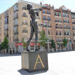 Foto Escultura en la Plaza de Dalí 14