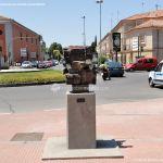 Foto Esculturas en Vía Complutense 2