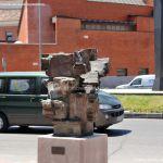 Foto Esculturas en Vía Complutense 4